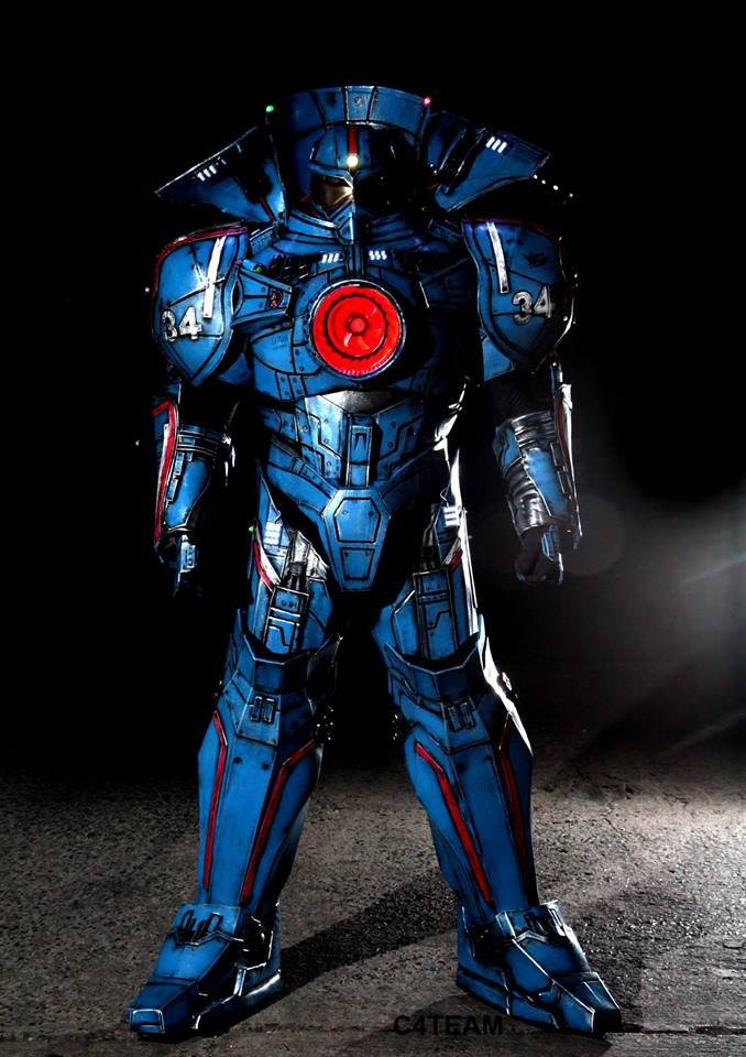 Gipsy Danger by C4 Team Cosplay Photographer Unknown